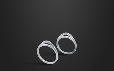 *PAIR OF DIAMOND AND GOLD RINGS