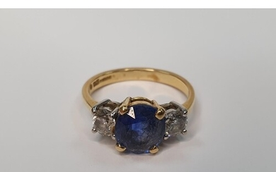 18ct yellow gold ring set with a central Sapphire (approx 2....