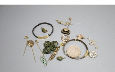 A group of assorted antique jewellery etc., to include: - an...