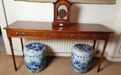 Good quality burr walnut and inlaid satinwood side table wit...