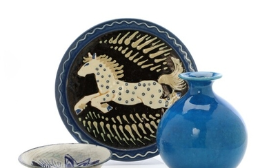 Kähler: Earthenware vase, bowl and dish with horse motif. (3) – Bruun Rasmussen Auctioneers of...