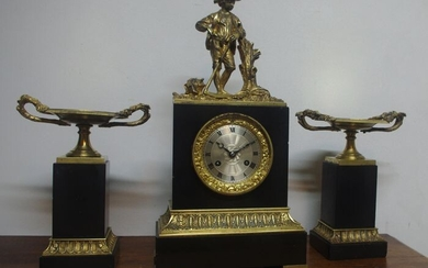 Marble & Bronze Empire Pendulum with coupes - Gilt bronze - about 1840