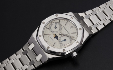 AUDEMARS PIGUET, A STAINLESS STEEL ROYAL OAK DAY-DATE WITH MOON-PHASE, REF. 25594ST