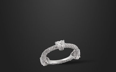 *DIAMOND AND GOLD RING