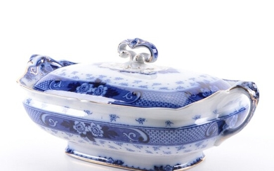 """Ford & Sons """"Weir"""" Blue and White Earthenware Lidded Serving Dish, 1908–1938"""