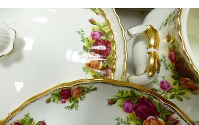 Royal Albert Old Country Roses tea & dinner ware to include:...