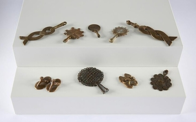 9 Asante Goldweights, Fans and Sandals