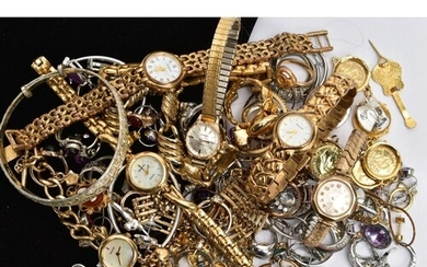 A 9CT GOLD LADIES WRISTWATCH WITH A BAG OF ASSORTED COSTUME ...