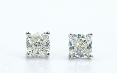 NO RESERVE PRICE--- - 18 kt. White gold - Earrings - 0.64 ct Diamonds