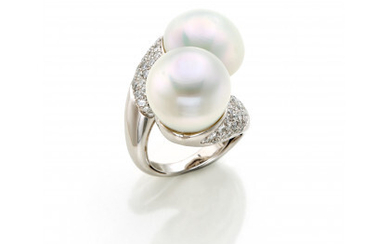 White gold ring with two South Sea cultured pearls of mm 15.25 circa and diamond pavé in all ct. 1.80…Read more