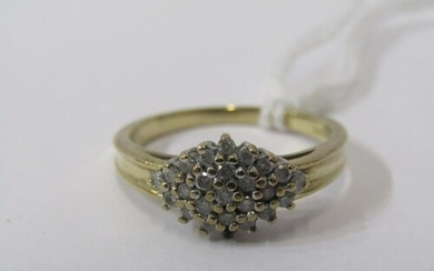 9ct YELLOW GOLD DIAMOND CLUSTER RING, approx 0.25ct of diamo...