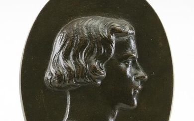 OVAL BRONZE PLAQUE DEPICTING A BUST OF A MAN 19th