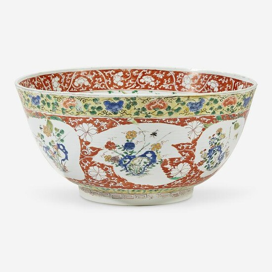 A Chinese famille verte-decorated porcelain large bowl