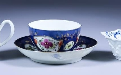 A Worcester Blue and White Porcelain Butter Boat, circa...