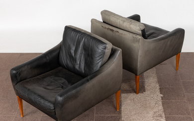 HANS OLSEN. In the manner of. Two armchairs in the style of Hans Olsen, lounge chairs, wood, leather, Denmark, 1960s (2).