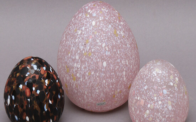 MONICA BACKSTRÖM. sculptures, 3 pcs, eggs, glass, Kosta Boda.