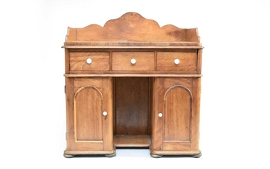 A late Victorian/Edwardian pine pedestal dressing table