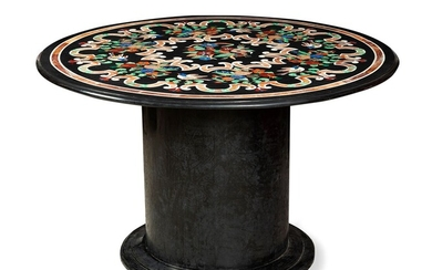 Italian table, s.XIX. In black marble, hard stones and mother-of-pearl.