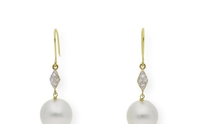 18 kt. Yellow gold - Earrings - 0.20 ct Diamonds - Pearls, 11.00mm South Sea Pearls