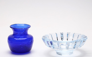 GLASS OBJECTS, 2 parts, Erik Höglund and Orrefors.