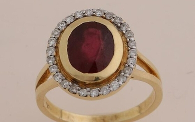 Gold ring with ruby and diamond