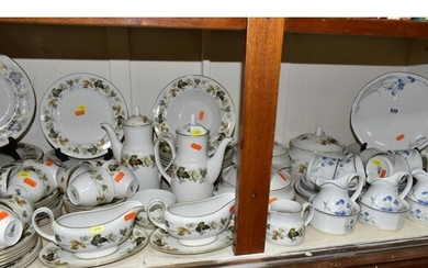 ONE HUNDRED AND NINETEEN PIECES OF ROYAL DOULTON DINNER/TEAW...