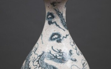 CHINESE BLUE AND WHITE DRAGON VASE, Ming style of