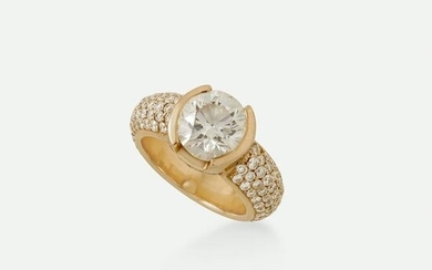 Diamond and pink gold ring