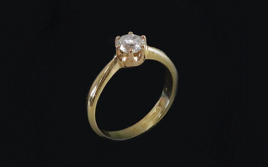 RING, round brilliant, 0. 76 ct, red gold 18K.