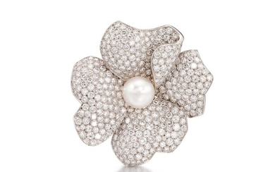 Diamond and Cultured Pearl Clip Brooch   卡地亞   鑽石 配 養殖珍珠 胸針, Cartier