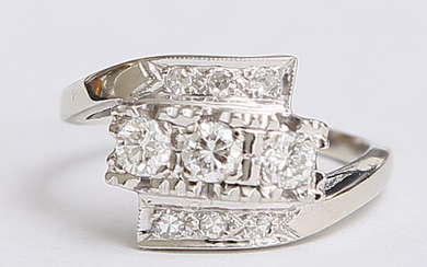 RING, 14K white gold, with stones. partly diamond. receipt / certificate included from 1951.