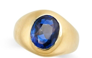 A BURMA NO HEAT SAPPHIRE GYPSY RING the tapering band