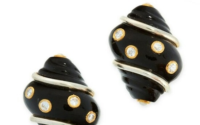 A PAIR OF VINTAGE ONYX TURBO SHELL EARRINGS in 18ct