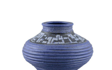A 1970S 'TROIKA STYLE' POTTERY VASE, decorated in...