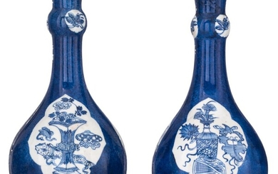 A pair of Chinese bleu poudré ground bottle vases, H 22,5 cm