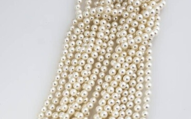 Choker Length 14-Karat White-Gold, Cultured Pearl and Diamond Torsade Necklace