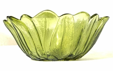 Green Floral Form Art Glass Bowl