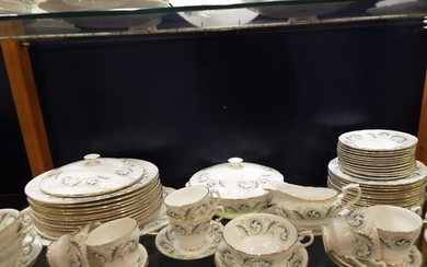 A Royal Standard 'Garland' dinner service to include tureen,...