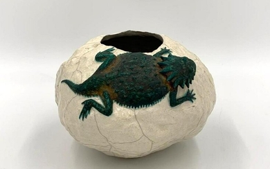 Glazed Stoneware Vase With Lizard