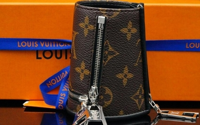 Louis Vuitton 2021 S/S Monogram Cuff (Sold Out)
