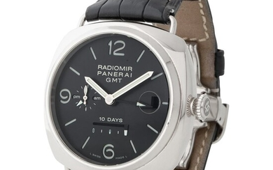 Panerai. Attractive and Massive Radiomir 10 Days GMT Automatic Wristwatch in White Gold, Reference PAM00235 With Date, Power Reserve, Original Certificate, Box and Key