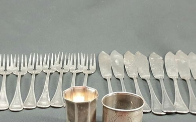 Silver LOT: fish cutlery (820 g), pair of small candlesticks...