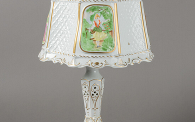 Table lamp with lithophane. Porcelain Manufactory Plaue. 2nd half of the 20th century.