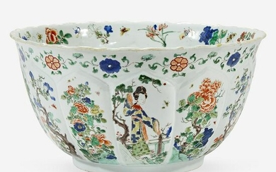A Chinese famille verte-decorated lobed porcelain bowl