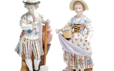 A pair of late 19th to early 20th Century Sitzendorf figures...