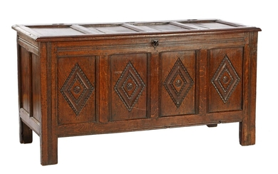 (-), Oak blanket chest with panels in the...