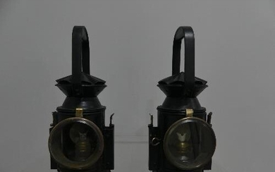 WITHDRAWN Railwayana; Two BR(S)?? three aspect Hand Lamps, r...