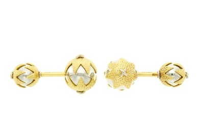 Tiffany & Co., Schlumberger Pair of Two-Color Gold Cufflinks