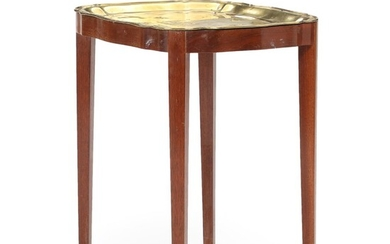 A 20th century mahogany tray-table with a patinated brass tray. H. 61. W. 58. D. 45 cm. – Bruun Rasmussen Auctioneers of Fine Art