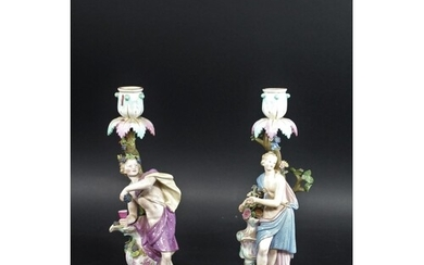 PAIR OF MEISSEN FIGURAL CANDLESTICKS a pair of classical fig...